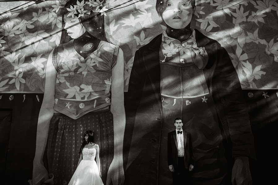 Wedding photographer Víctor Martí (victormarti). Photo of 20.10.2016