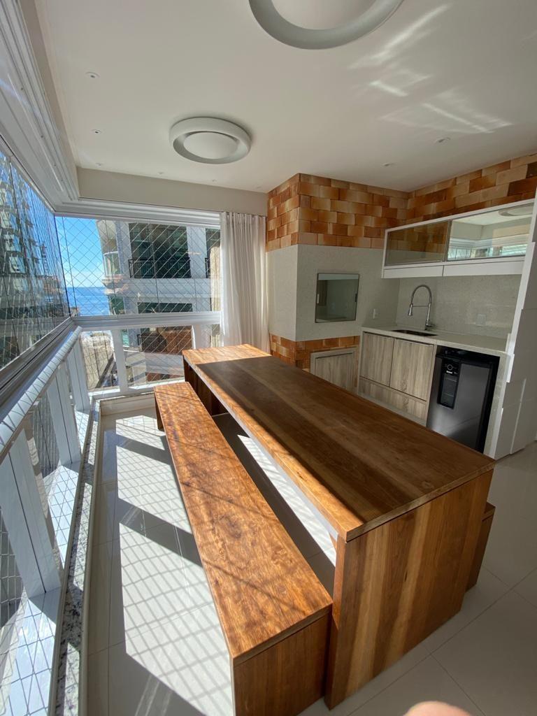 Apartamento com 3 Dormitórios à venda, 133 m² por R$ 1.800.000,00