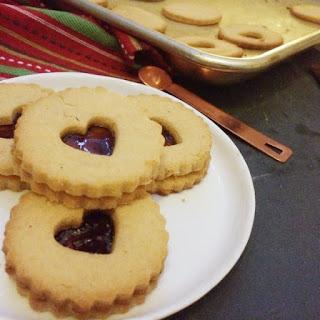 Low Carb Vegan Linzer Cookies.