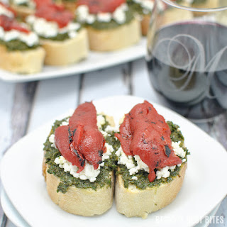 Kale Pesto Goat Cheese Crostini with Roasted Red Pepper + Wines of Garnacha