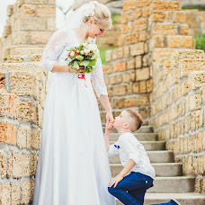 Wedding photographer Andrey Lavrinec (LOVErinets). Photo of 18.04.2018