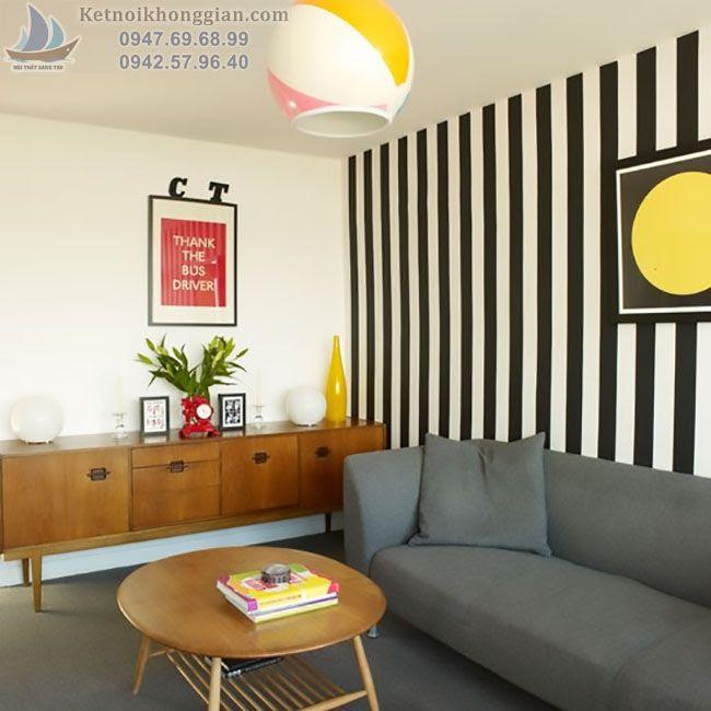 thiết kế phòng khách với giấy dán tường