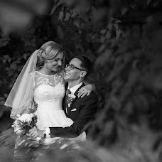 Wedding photographer Vadim Zakharischev (yourmoments). Photo of 06.09.2015