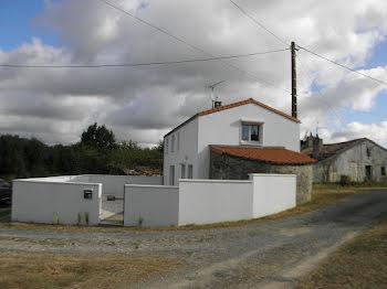maison à Faye-l'Abbesse (79)