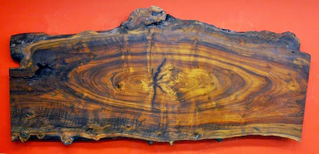 Photo: http://dorsetcustomfurniture.blogspot.com/2015/11/a-live-edge-claro-walnut-slab-coffee.html