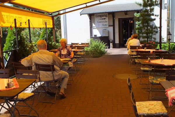 und Gasthof Zum Ziehbrunnen
