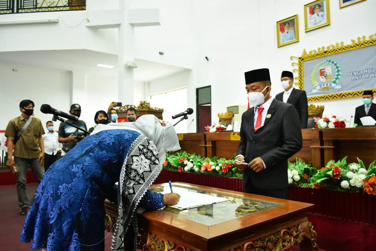 Pengucapan Sumpah Peresmian Pengangkatan Pengganti Antar Waktu (PAW) Anggota DPRD Tulang Bawang Barat