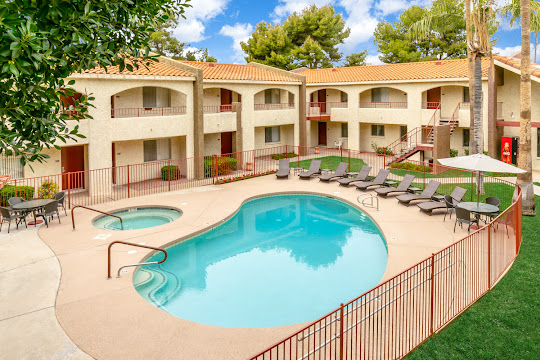 Sierra Grande's refreshing swimming pool and hot tub