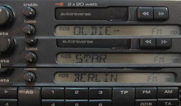Photo: Info o DRM/T-DAB/AMSS rozhlasove stanici se vysila v mikrostereoFM vysilaci pomoci RDS enkoderu do Vaseho FM autoradia, ktere musi mit RDS. Umi to zobrazit i servisni menu T-DAB/DRM.