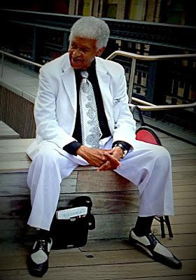 Man in white  di annabus58