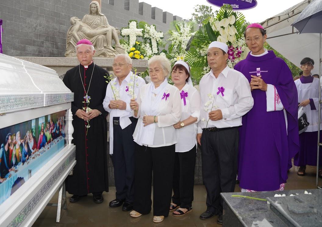 Thánh lễ an táng Cha Giuse Trần Ngọc Tâm - Chánh xứ Xuân Đức - Ảnh minh hoạ 52