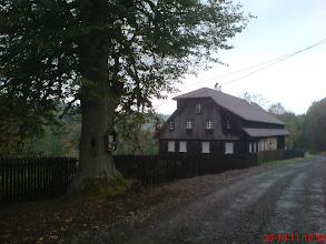 Photo: po remoncie dachu i ustawionym płocie ze sztachet, jesień 2011