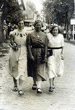 Photo: Hillie Leiting-Stadman, Geertje Lanjouw en Marchien Leiting