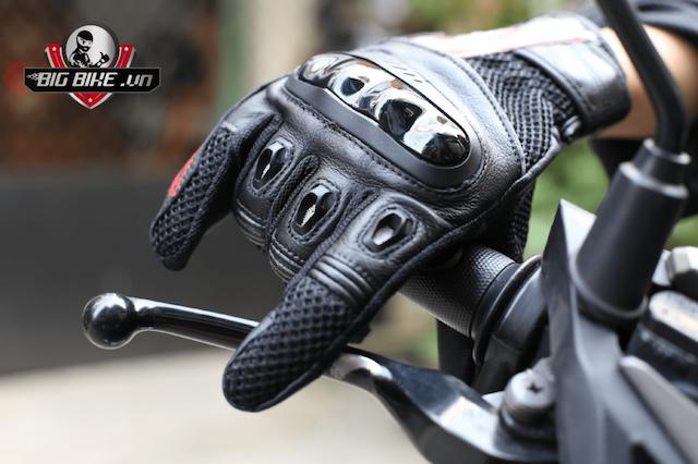 Găng tay moto là người bạn đồng hành với phượt thủ trên các tuyến đường