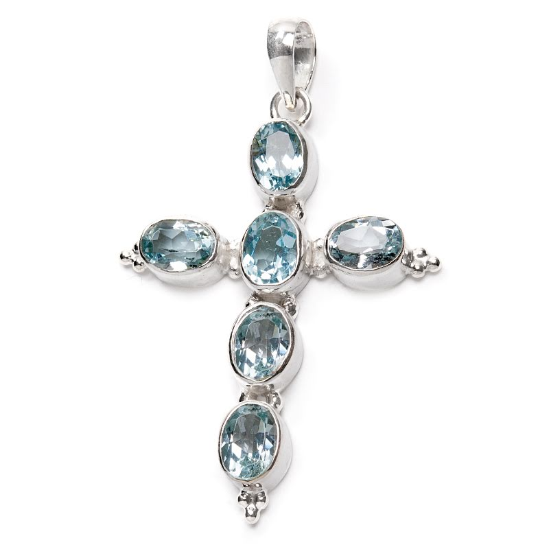 Blå topas, kors med fasettslipade stenar