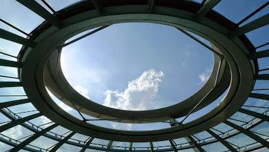 Photo: Öffnung ganz oben in der Kuppel (Frischluftzufuhr und Lichteinfall)