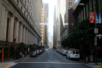 Photo: California Street goes through the heart of the Financial District, and is therefore less crowded with tourists. The other two lines go to Fisherman's Wharf