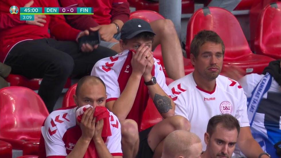 Aficionados llorando en las gradas del Estadio.