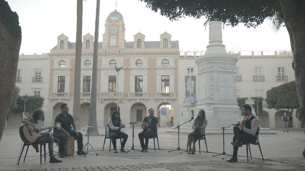Toñi Fernández en la Plaza Vieja.