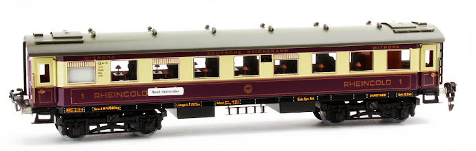 Photo: DR 'Rheingold' All 1st Passenger Coach