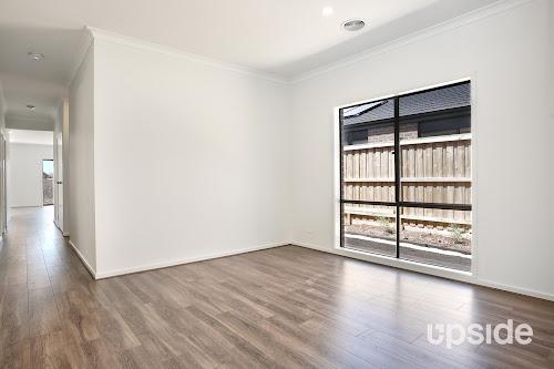 Photo of property at 12 Aylesbury Avenue, Truganina 3029
