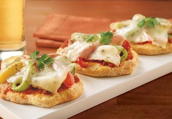 Chicken Fajita Pizzas Recipe