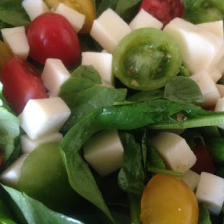 CAPRESE SPINACH SALAD w/ fresh PARSLEY PESTO DRESSING * tomatoes, mozzarella cheese *