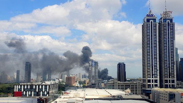 Fire at an auto shop in Mandaluyong