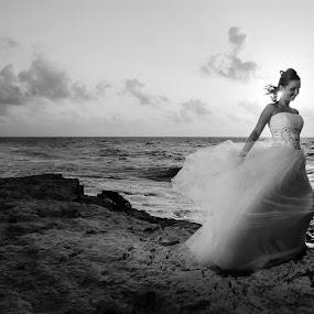 Cancun Bride by Ricardo Carrillo Tamez - Wedding Bride ( cancun, weddings, destination wedding, bride, riviera maya, trash the dress )