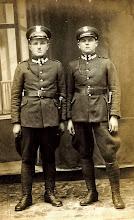 Photo: od lewej Wincenty Hajnos Pietruś -lata 20-te.