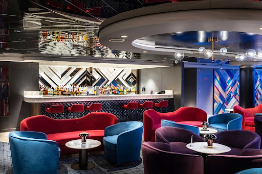 msc-seashore-Uptown-Lounge.jpg - The 120-seat Uptown Lounge in the aft of MSC Seashore features live music and shows.