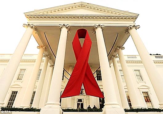 Nhiễm HIV vẫn có thể thọ tới... 70 tuổi