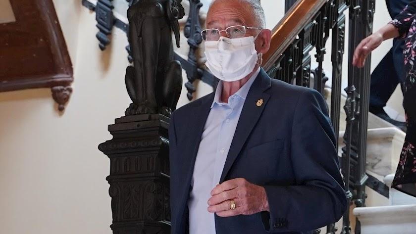 Gabriel Amat, con mascarilla, en una imagen de archivo.