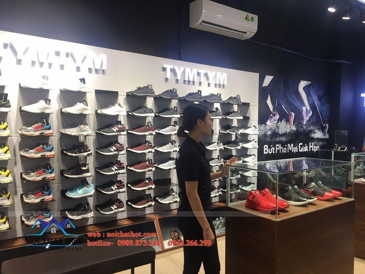 thi công shop giày nam 15