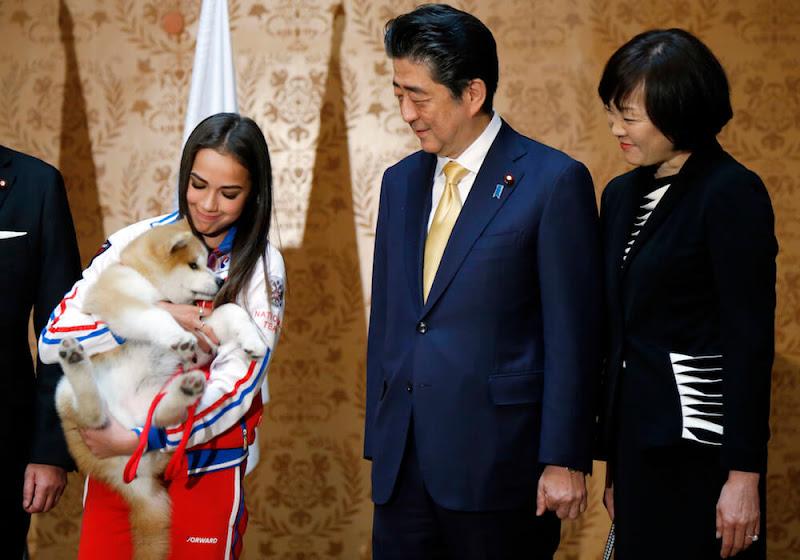ザギトワに贈呈の秋田犬を使ってまでアベ批判…テレ朝『モーニングショー』で目に余る印象操作