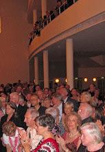 Photo: ABSCHIED VON DER OPER KÖLN vor der Renovierung (Juni 2012). Das Publikum beim Applaus. Foto: Andrea Matzker/Egon Schlesinger