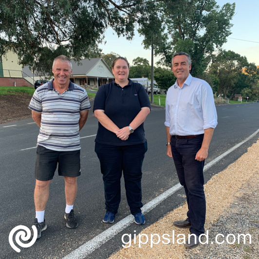 Federal Member for Gippsland Darren Chester is pictured with Buchan Community Recovery Committee members Greg Brick and Kate Hodge discussing plans for an upgrade of the streetscape