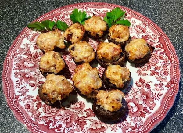 Mediterranean-style Stuffed Mushrooms Recipe