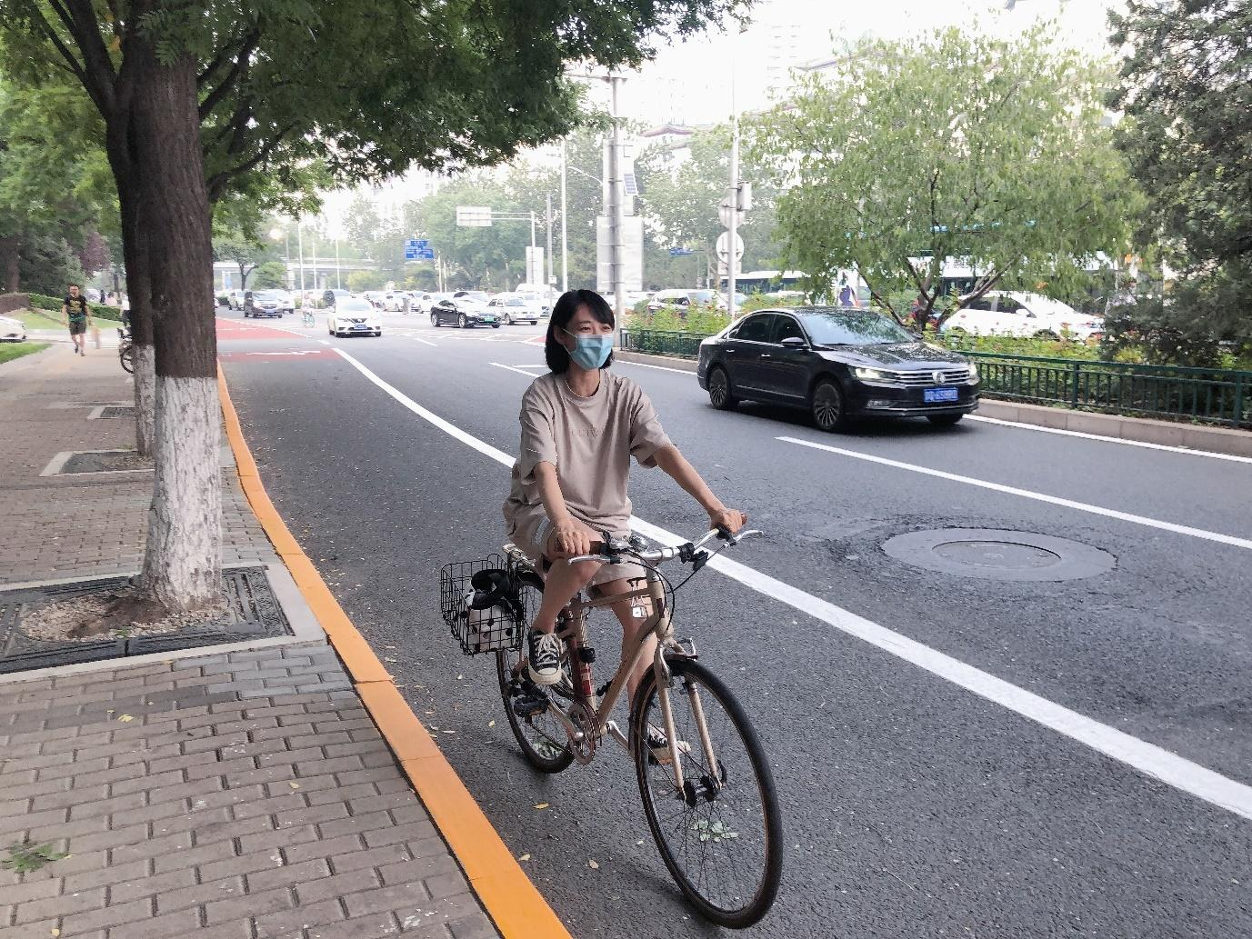 Cycling to work with a surgical mask