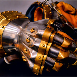 armour gloves by Nic Scott - Artistic Objects Other Objects ( armour, metal, gloves )