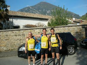 Photo: Los tres del equipo y la Higa detrás nuestra