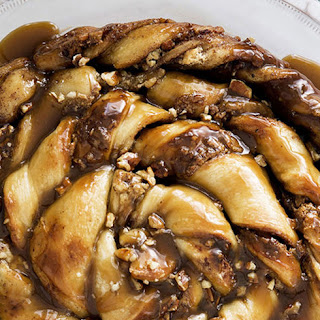 Twisted Sticky Caramel-Pecan Roll