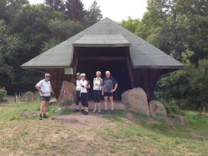 Photo: Kleine Rast - bei der ersten Tour durch den Pfälzer Wald geht es gleich 5 km bergauf...