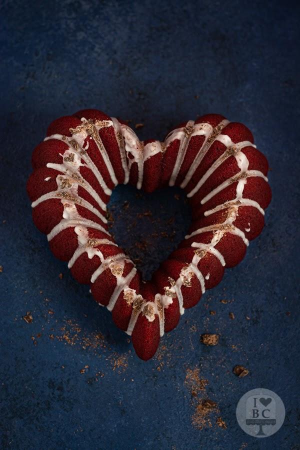 Red Velvet Bundt Cake sin gluten
