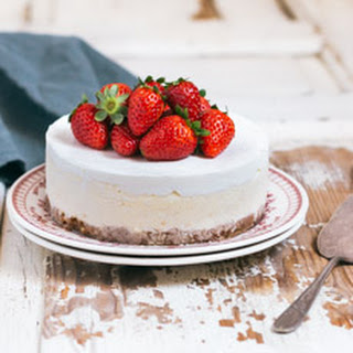 Simple Classic Cheesecake.
