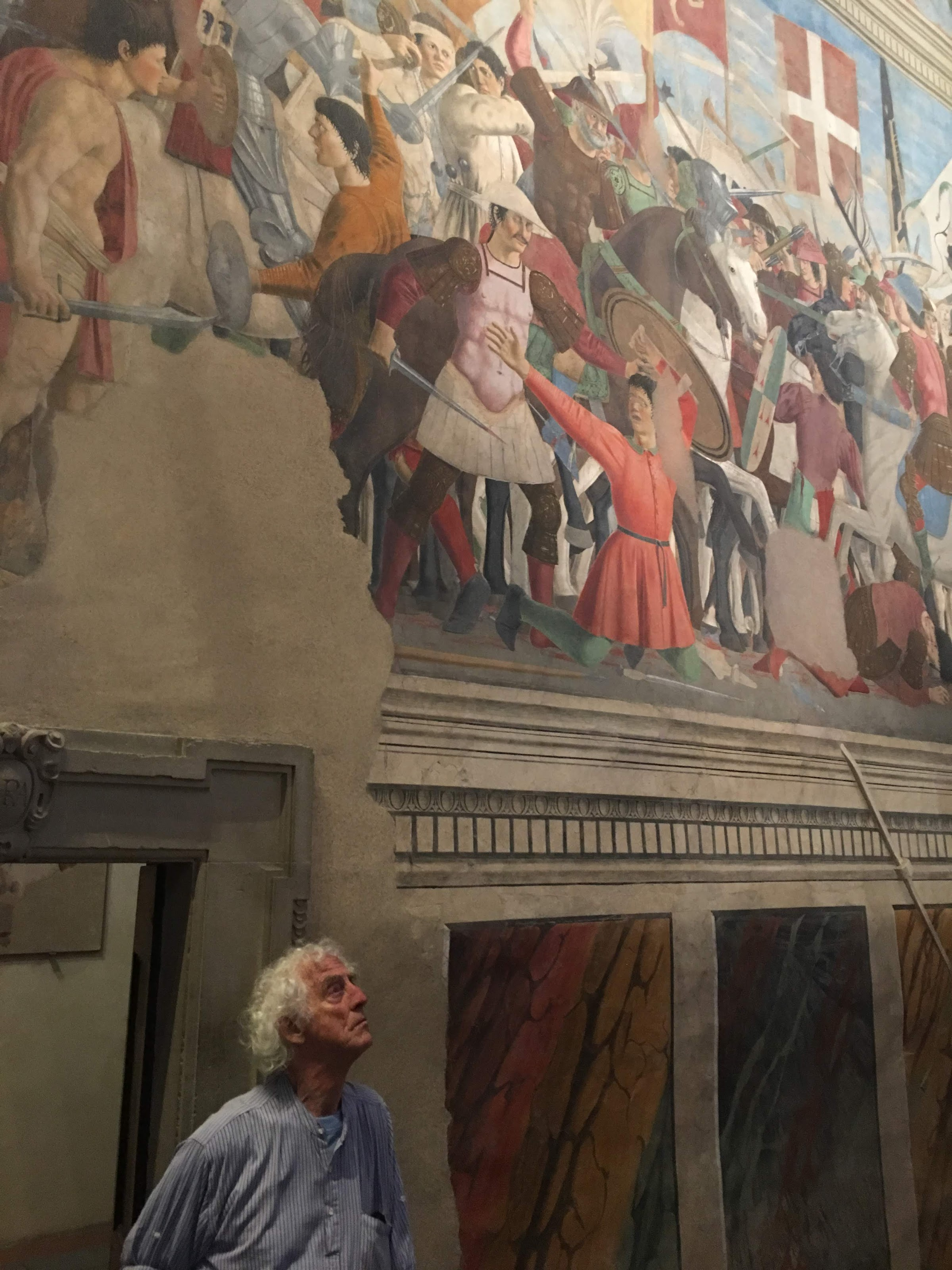 Piero della Francesca, Storie della Vera Croce, basilica di San Francesco, Arezzo [Ronald Ergo guardando La battaglia tra Cosroe ed Eraclio(rettangolo in basso) e Ritrovamento delle tre croci e verifica della Croce]