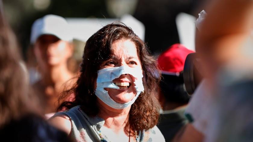 El uso de la mascarilla, uno de los grandes debates de los negacionistas.