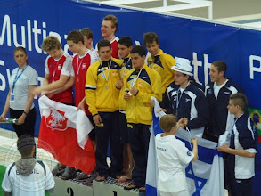 Photo: Międzynarodowy Wielomecz pływacki juniorów (7.04) - sztafeta z M. Kisielewskim 3c na II miejscu