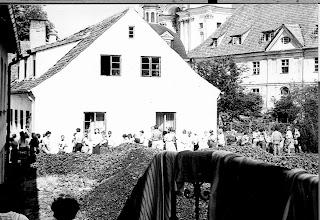 Photo: Święta Lipka 1987 kolejka do garkuchni