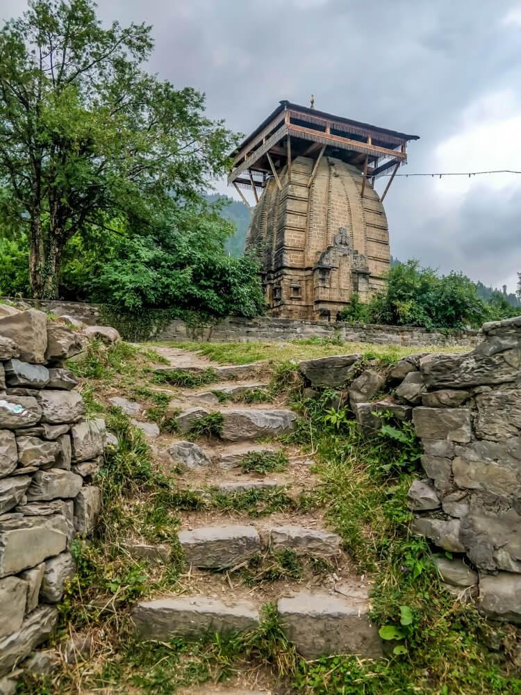 way+krishna+temple+naggar+manali+kullu